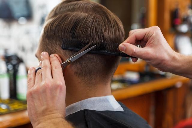 アラフォー男性が髪型に悩んだら部分パーマがオススメな理由