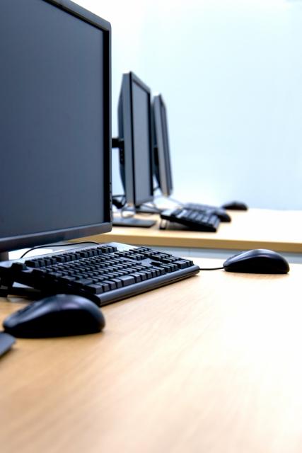 DTMでも使えるWINDOWSデスクトップPCを安く探す方法